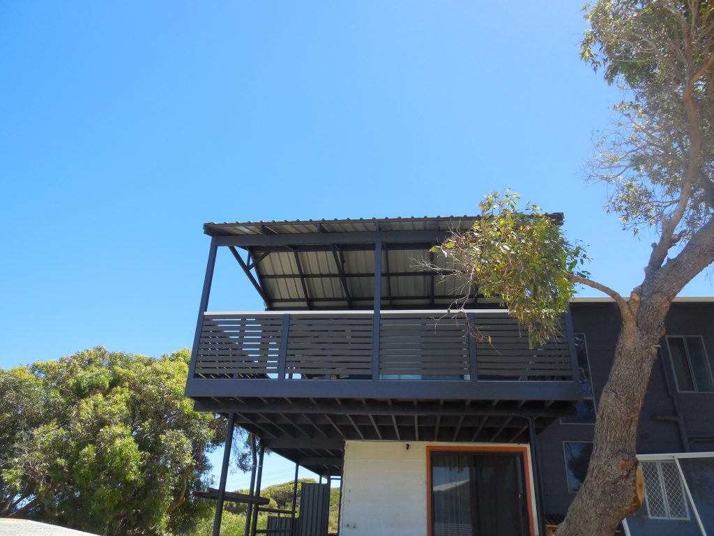 Patios perth composite decking installers timber decking for Balcony renovation