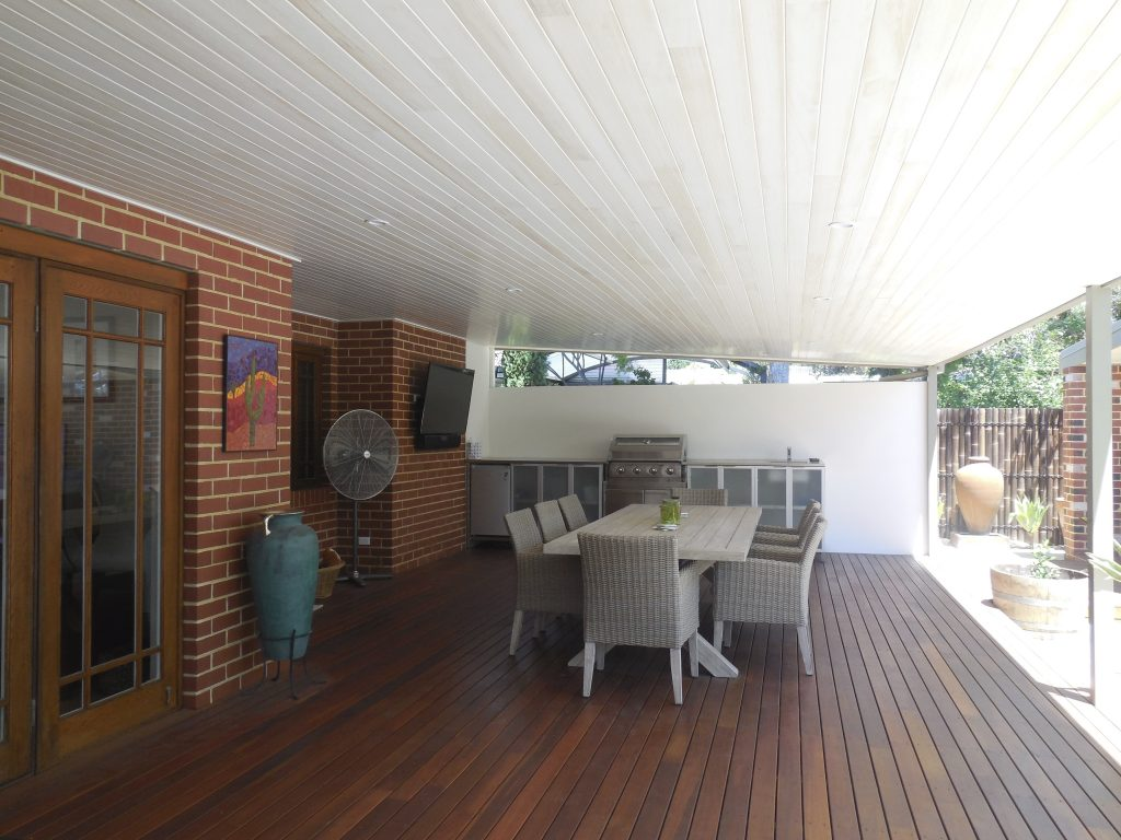 Alfresco decking - Outdoor Renovation