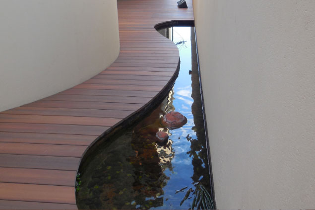Modern Design, Beautiful Curvy Timber Walkway, Alongside Pond - Perth